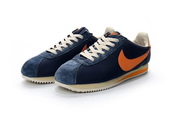Оранжевые замшевые кроссовки