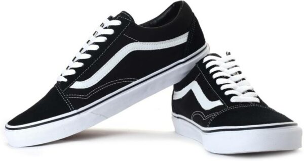 Черные кроссовки 41 размера
